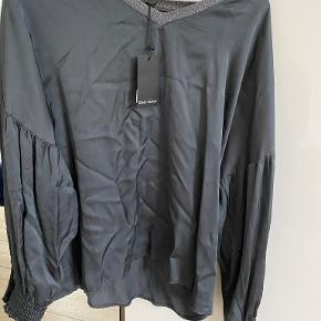 Black colour bluse