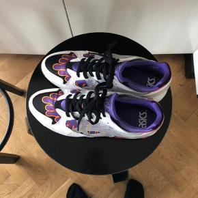 7eabe3bb Sælger disse fede Asics sko som er brugt 2 gange, der er ingen tegn på
