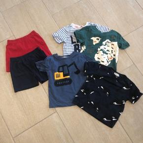 4 T-shirts fra H&M og 2 par shorts fra Thomas and friends.