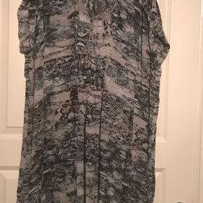 Tunika /kjole rigtig fin