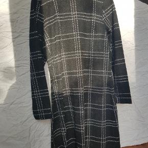 Blød og varm kjole perfekt til efteråret