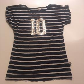 8c24a65d29c8 Pdl blå t-shirt str 134