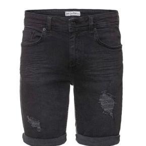 Varetype: Denim shorts bemærk Størrelse: 31 Farve: Mørkegrå   Bytter ikke