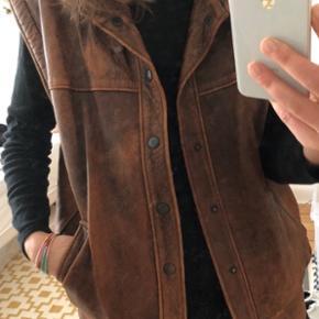 Vintage skind vest brun cool til festival