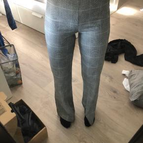 Sælger disse super lækre bukser fra na-kd Str. 36 🦋🦋🦋