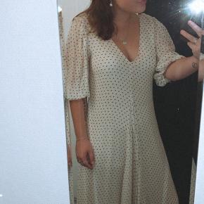 Ganni kjole  Brugt få gange Størrelse M