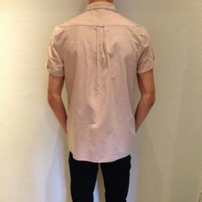 Skjorte med korte ærmer fra Asos  Størrelse: large