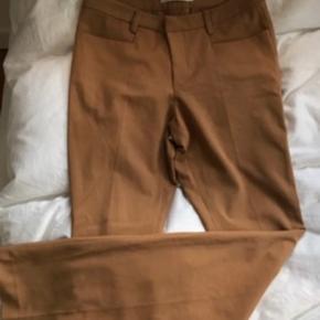 Sandfarvede bukser fra Gestuz sælges😊