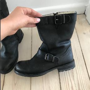 Billie bi vinter støvler, brugt meget få gange