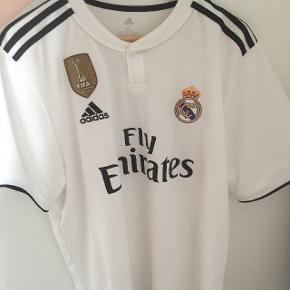Ægte Real Madrid 18/19 - Ronaldo 7 på ryggen - ny pris er 900 - Men er åben for bud, den skal bare væk