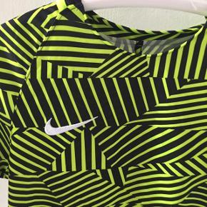 Sej Nike t-shirt str medium.