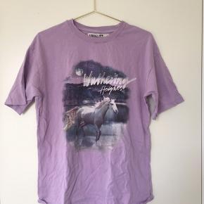 Fed lilla T-shirt fra junkyard