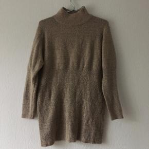 Beige sweater strik fra Think positive, str. M/38-40
