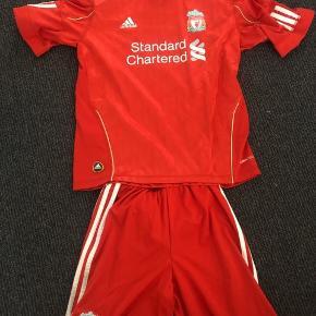 Aldrig brugt original Liverpool sæt Str 11-12 år