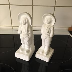 Hans og Grete  Gips figurer 22 cm høje Samlet pris 50kr. Sendes mod betaling  Har også de store til salg