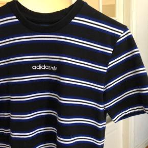 Adidas t-shirt Skriv for mere info