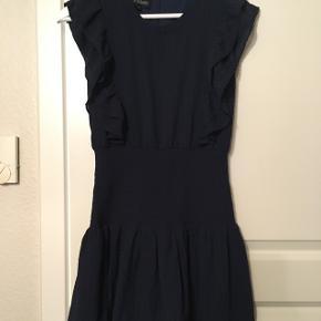Super smuk kjole fra little remix. Str 14, men lille i str. Svarer til str 12