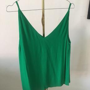 Flot grøn top fra MbyM🌸 Str: small Np:199 Aldrig brugt💃🏽