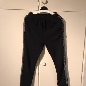 Lækre og totalt udsolgte Zara sweatpants.