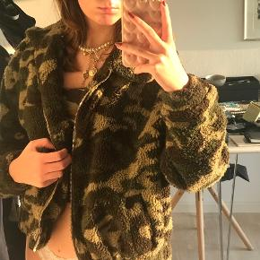Fur / Teddy jakke / coat