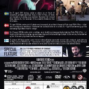 0340 👻 15:17 to Paris, The (DVD)  Dansk Tekst - I FOLIE   The 15:17 to Paris  Anthony Sadler, Alek Skarlatos og Spencer Stone er tre amerikanere på rejse gennem Europa. De bliver pludselig helte, da de opdager, at en terrorist ombord deres tog har planer om at slå de mere end 500 passagerer ihjel. Filmen følger amerikanernes liv og venskab frem til angrebet og er baseret på virkelige hændelser. Clint Eastwood har instrueret, og de tre hovedroller bliver spillet af de tapre helte selv!