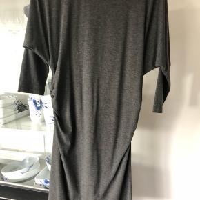 Lækker kjole fra Comfy Copenhagen, str xs men stor i str passer fint en s  Køber betaler Porto