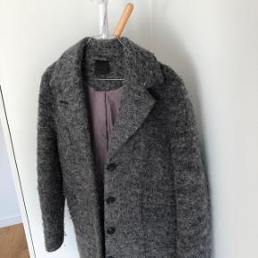Fineste jakke/frakke fra Black Illy i fantastisk kvalitet   Str. 36  Nypris: 1300
