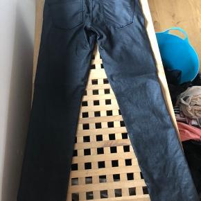 Fine bukser fejler intet str 29 😊