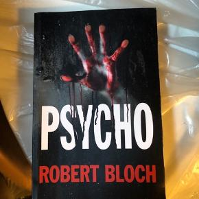 Tilbud - Gælder alle mine annoncer:  3 for 2, 6 for 4 eller 8 for 5.💥  Bogen Psycho. Den er på engelsk. En enkelt side har fået noget på sig (se billede). Den sælges for 100 kr på Saxo.  Pris 30 kr.