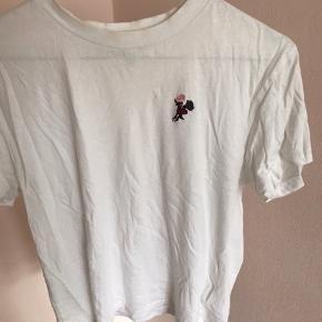 Super sød T-shirt fra Ganni 🌸💞 Køber betaler fragt