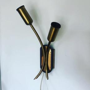 Super smuk og enkelt messing væglampe ❤️❤️❤️ (Lille fatning) Pris 250,- kr.