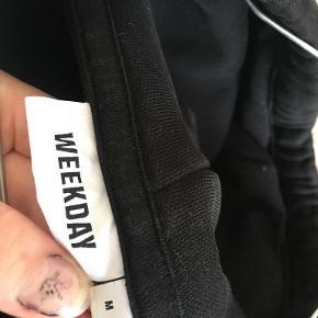 Weekday hættetrøje