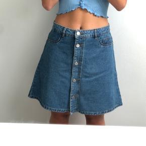 Aldrig brugt - a-formet nederdel fra Noisy May✨