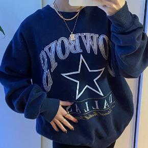 Lee sweater