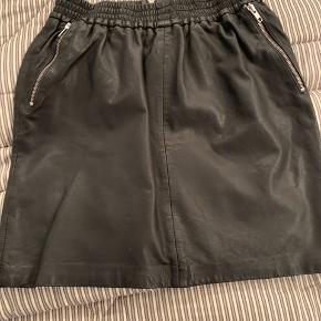 #30dayssellout Skønneste skind nederdel Brugt få gange