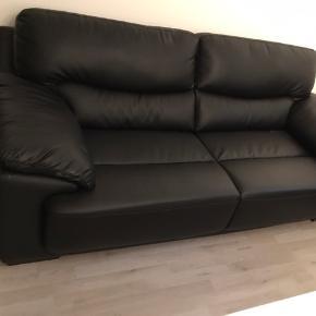2,5 Pers + 2 pers sofa sæt til 3999kr aldrig brugt har kun stået i kælderen en lille periode
