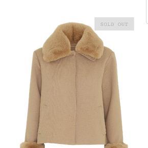 Fin jakke fra Meotine i str M/L. Prisen er  900 kr