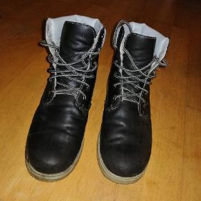 Mega fede støvler / sko, Ikke min stil
