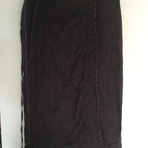 Slå om nederdel , se blusen til på anden annonce