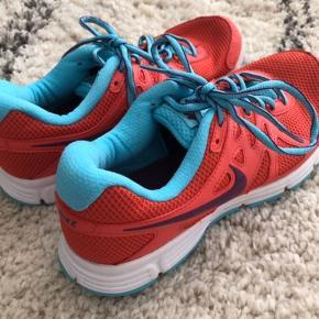Nike Sneakers Passer str 38 Er som nye :)