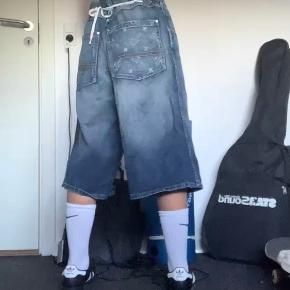 Sir Benni Miles shorts