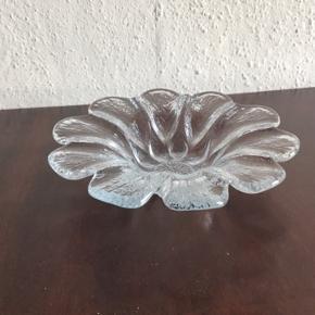 Holmegaard glasskål 18 cm i diameter. Designet af Sidse Werner.