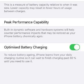 Sprit ny IPhone 11 64 GB sort. Panserglas påsat, det er få revner i panserglasset, men telefonen fejler intet.  Cover medfølger.