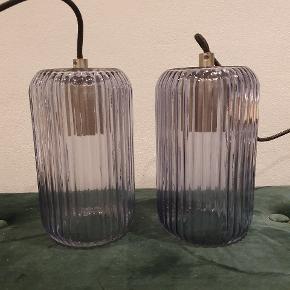 Danske Halo design med deres flotte mørke glas lamper 👌   300 pr stk