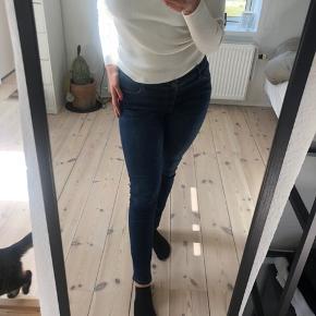Super fede bukser fra MOS MOSH i størrelsen 32/32. Brugt meget lidt er derfor i super fin stand💙