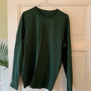 Bare en t-shirt sweater