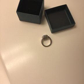Super fin ring, str.52, helt ny, sølv Nypris 750,- Sælges til 200,- Super billigt😉
