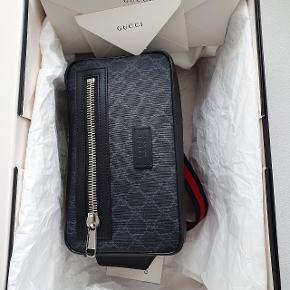 Købt hos Gucci 14 dage siden pris 4860  Min pris er fast 3500 plus forsendelse med DAO eller GLS