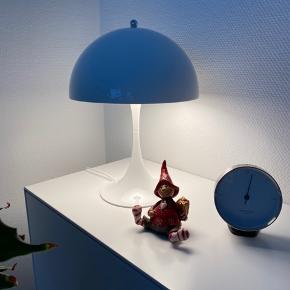 Louis Poulsen mini-panchella i hvid. Med lysdæmper 3 niveauer. Købt for et år siden.