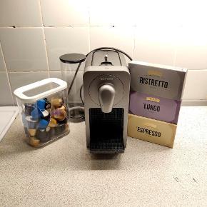 Nespresso maskine med masser af kapsler